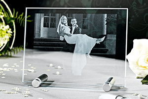 2D Laser Foto von LOOXIS als Hochzeitsgeschenk