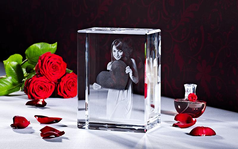 3D Laser Foto zum Valentinstag LOOXIS GmbH