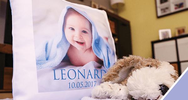 Personalisiertes Fotokissen in blau von LOOXIS