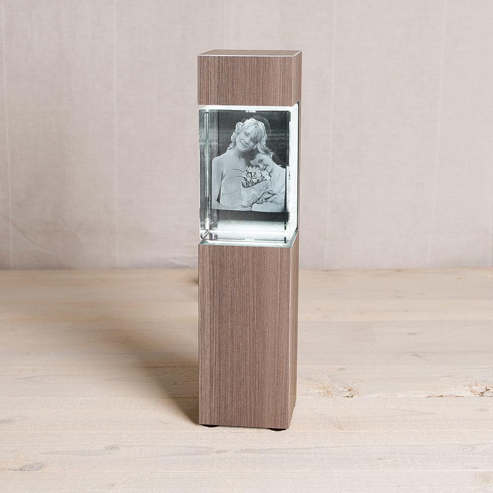 Leuchtstele für 3D Foto in Glas im Mega Hochformat - Dekor Ceramic Wood - Das 3D Laser Foto ist nicht im Lieferumfang