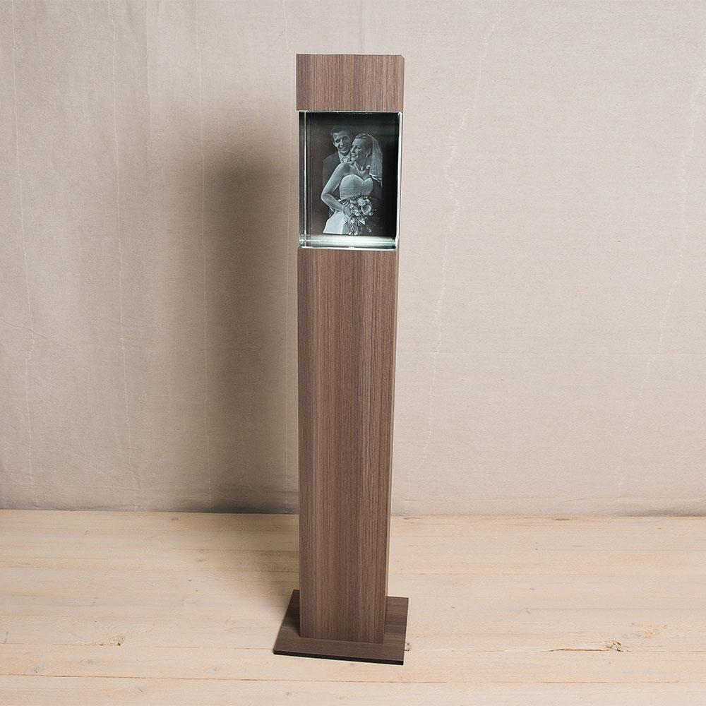Leuchtstele im Dekor Ceramic Wood - Das 3D Laser Foto ist nicht im Lieferumfang