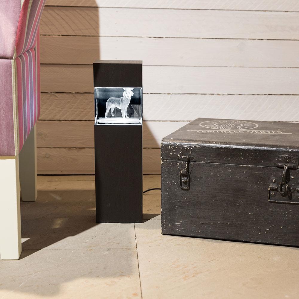 Holzstele mit Beleuchtung als edles Wohnaccessoire - Das 3D Laser Foto ist nicht im Lieferumfang