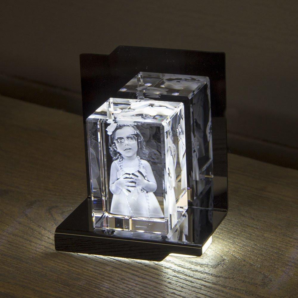Opera Beleuchtungselement Concerto für den Mega im Hochformat - Das 3D Laser Foto im Mega Viamant Glas ist nicht im Lieferumfang enthalten