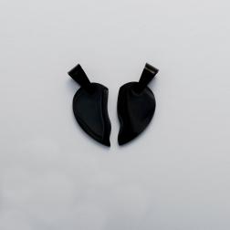Edelstahl-Anhänger mit persönlicher Lasergravur - geteiltes Herz M, schwarz