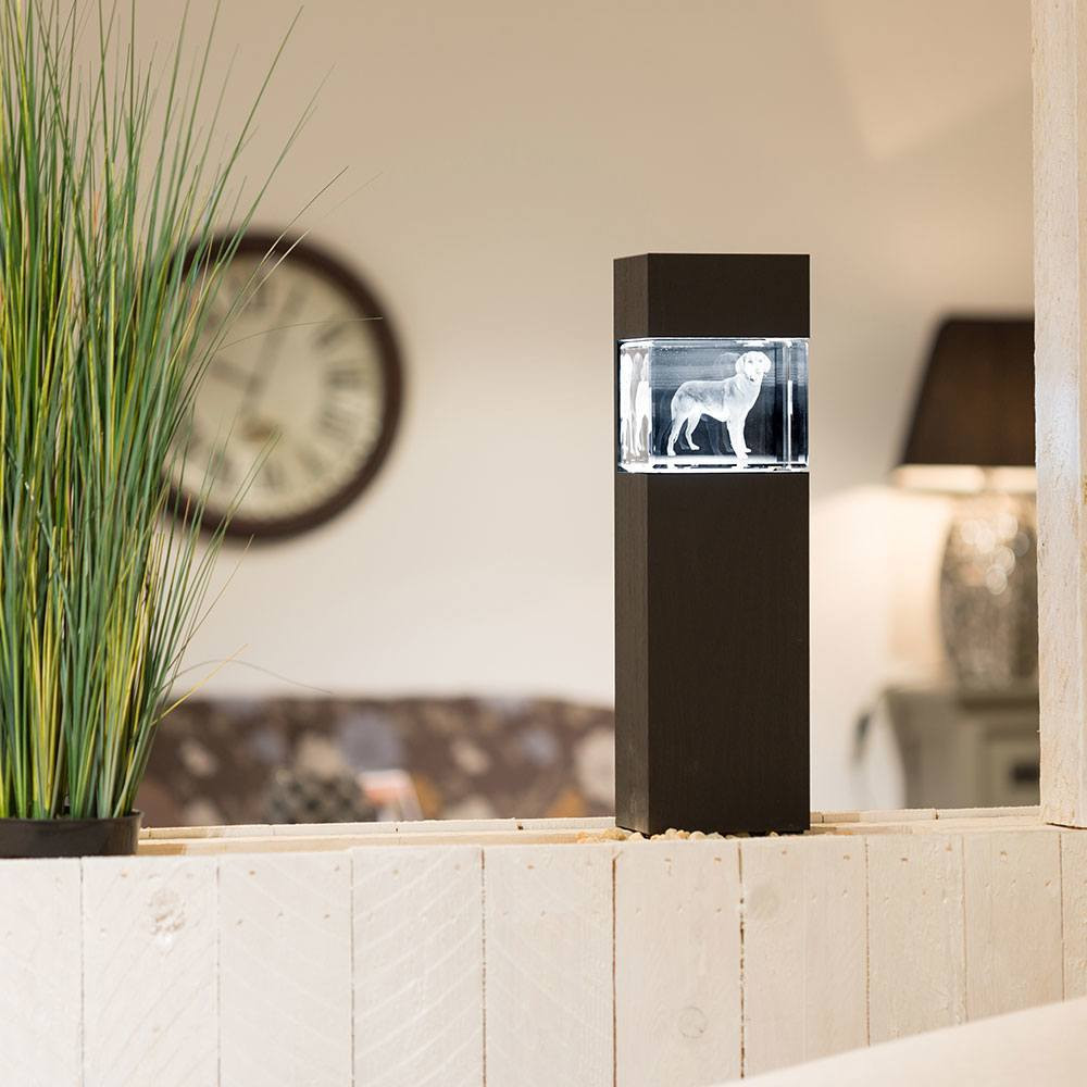 beleuchteter Leuchtsockel aus Holz für Giga Viamant im Querformat - Dekor Pecan Black Brown