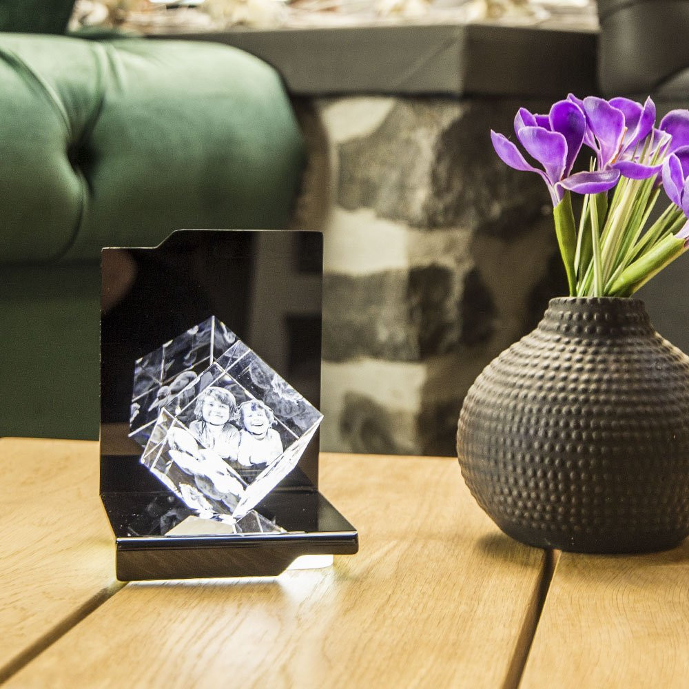 Der Opera Maestro bringt Ihr 3D Laser Foto im Viamant Glas perfekt zur Geltung