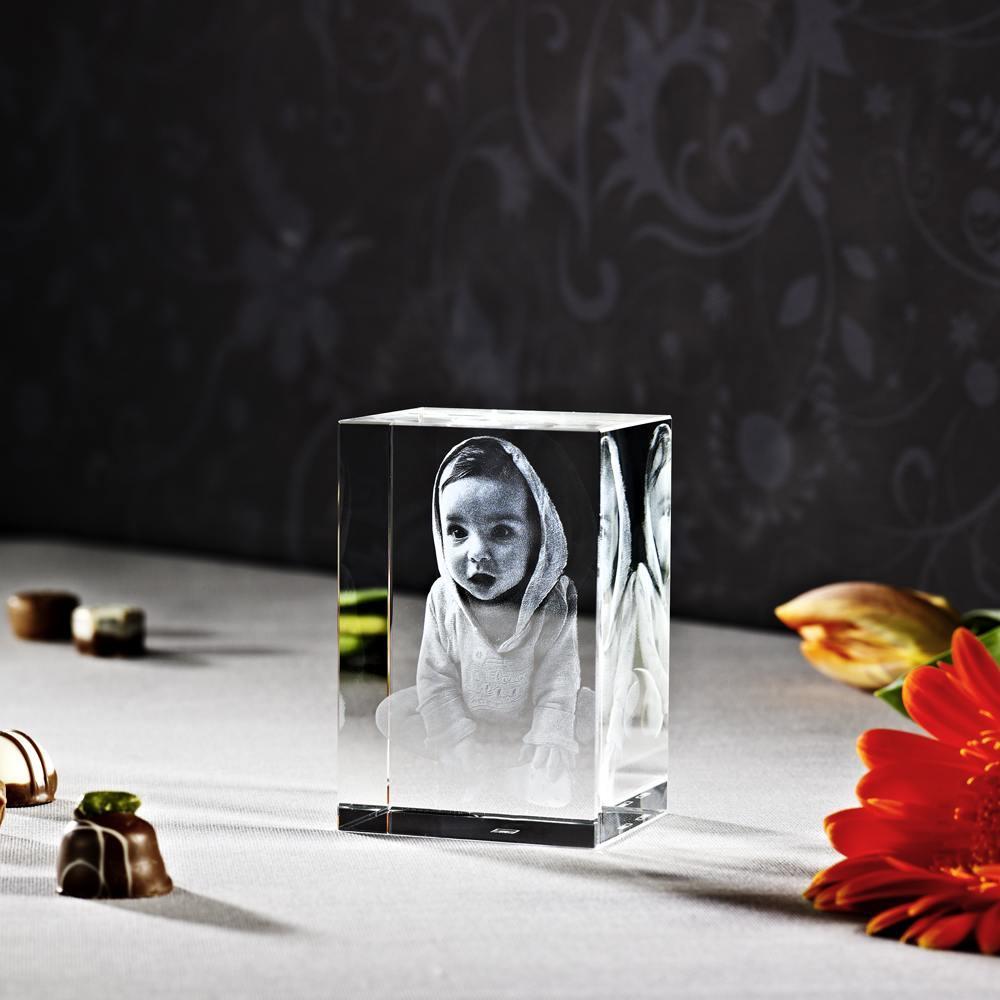 Individuellfotogeschenke - Looxis 3D Laser Foto im Kelo Viamant Glaswürfel 6x9x5cm als Hochformat oder Querformat - Onlineshop Looxis