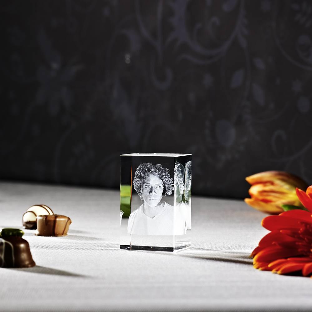 Individuellfotogeschenke - 3D Laser Foto im Glas Piko Viamant , Größe S (3,5x3x5,6 cm) als Hochformat oder Querformat - Onlineshop Looxis