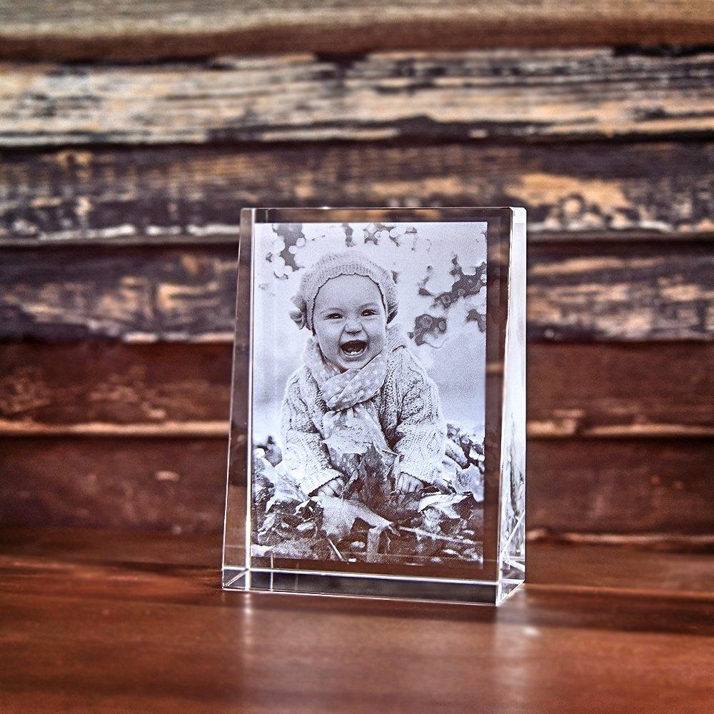 Individuellfotogeschenke - 2D Laser Foto im Glas, Prisma Hochformat Größe M (80x105x30mm) - Onlineshop Looxis
