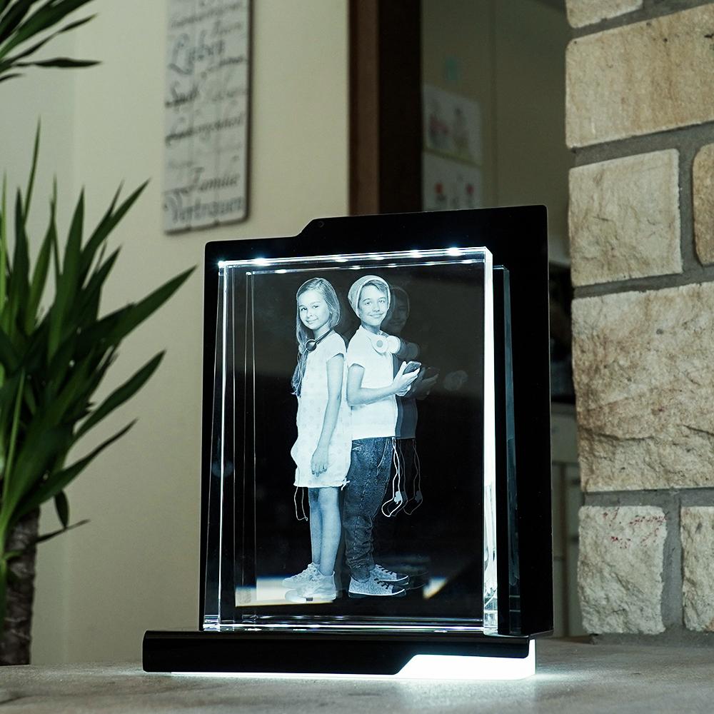 Individuellfotogeschenke - 2D Laser Foto im Glas, Prisma Hochformat Größe XXL (200x150x38 19mm) - Onlineshop Looxis