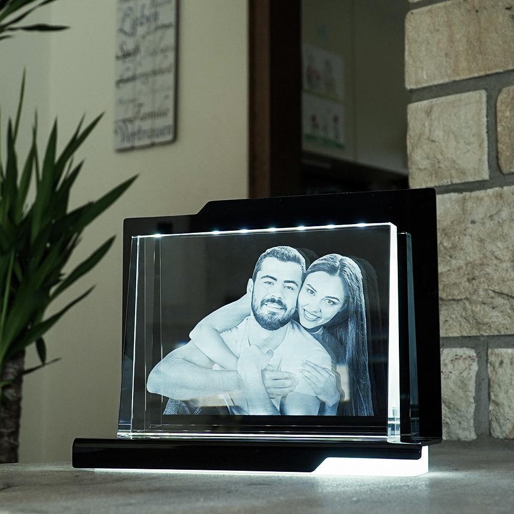 Individuellfotogeschenke - 2D Laser Foto im Glas, Prisma Querformat Größe XXL (200x150x38 19mm) - Onlineshop Looxis