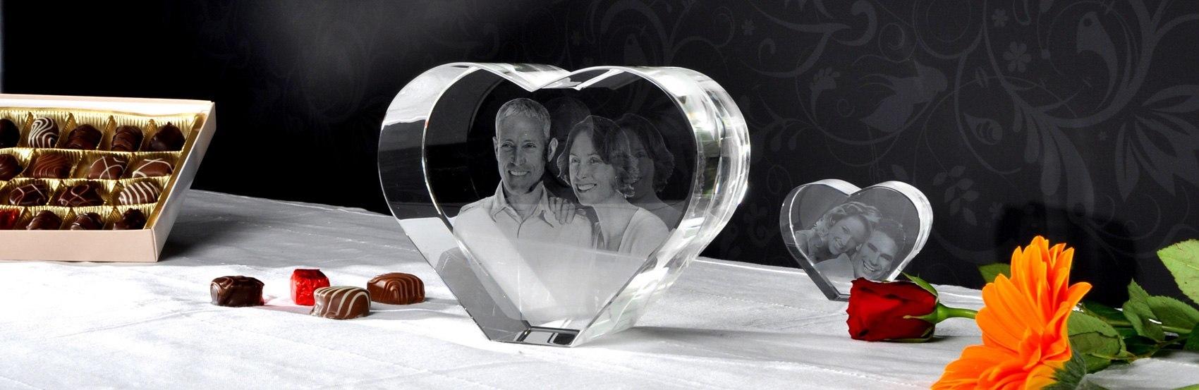 3D Foto eingelasert im Herz aus Glas